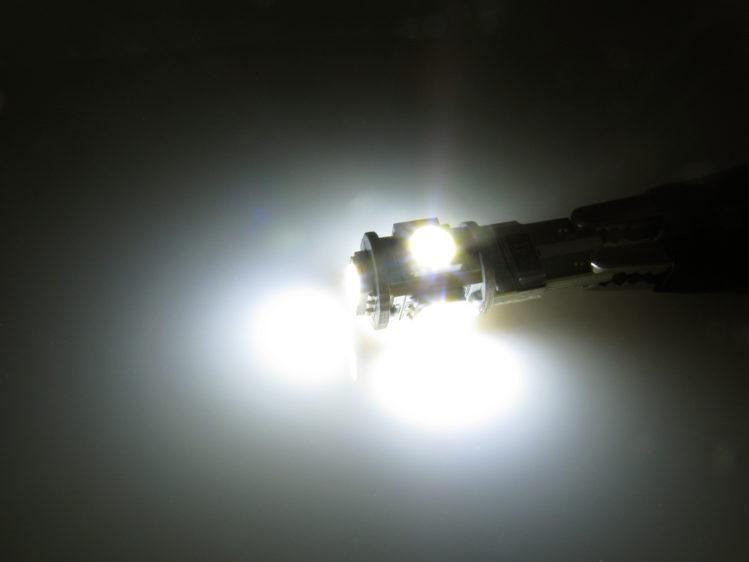 T10 W5W CANbus LED lampa med 5x 5050 SMD för 12 V